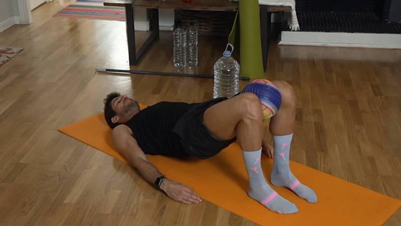 Muévete en casa - Programa 44 (Fuerza de piernas, glúteos y abdomen) - ver ahora
