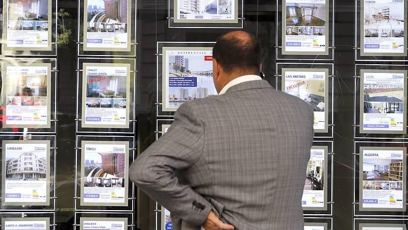 Las inmobiliarias vuelven a enseñar pisos