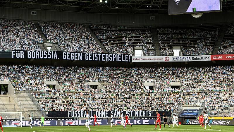 Vídeo: Aficionados de cartón en el estadio del Borussia Moenchengladbach