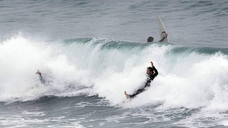 Vídeo: Clubes y escuelas de surf abrirán este lunes en las provincias en fase 2