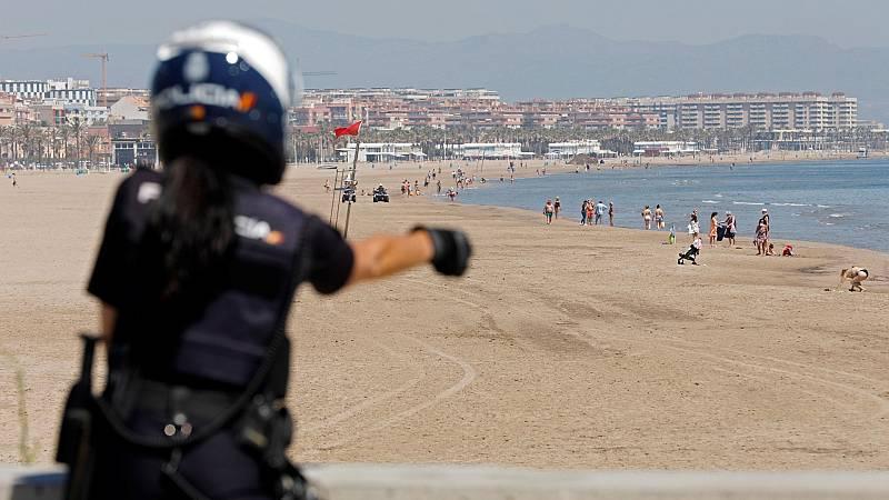 La Policía aclara dudas y vigila el cumplimiento de las normas de seguridad en los primeros días de la desescalada