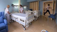Sanidad reduce en casi 2.000 personas la cifra total de fallecimientos con coronavirus en España
