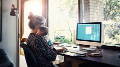 Madres trabajadoras y sin apoyos: ¿cómo conciliar trabajo y familia?