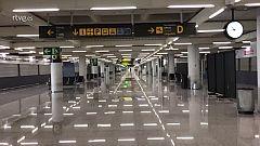 Pasillos desiertos en el aeropuerto de Palma