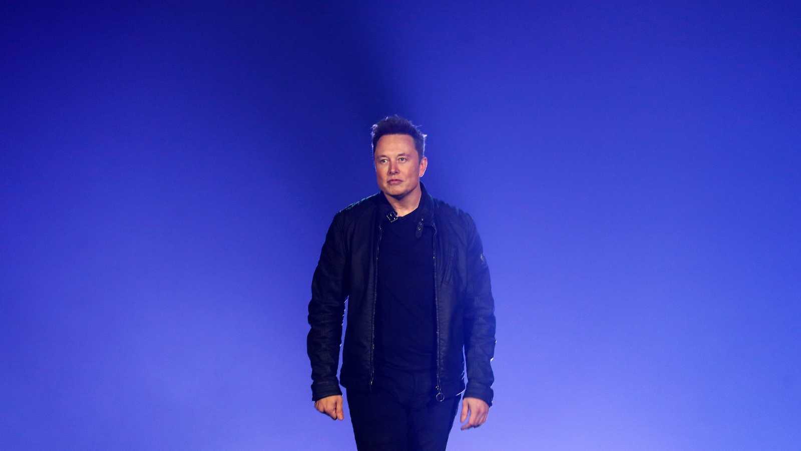 Elon Musk, obligado a cambiar el nombre de su hijo