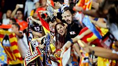 Mientras el fútbol vuelve sin público, equipos como el Valencia compensan a sus abonados