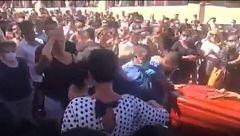 El ayuntamiento de Guía (Tenerife) de disculpa por un entierro multitudinario