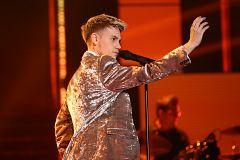"""OT 2020 - Hugo canta """"La leyenda del tiempo"""" en la Gala 11 de Operación Triunfo"""