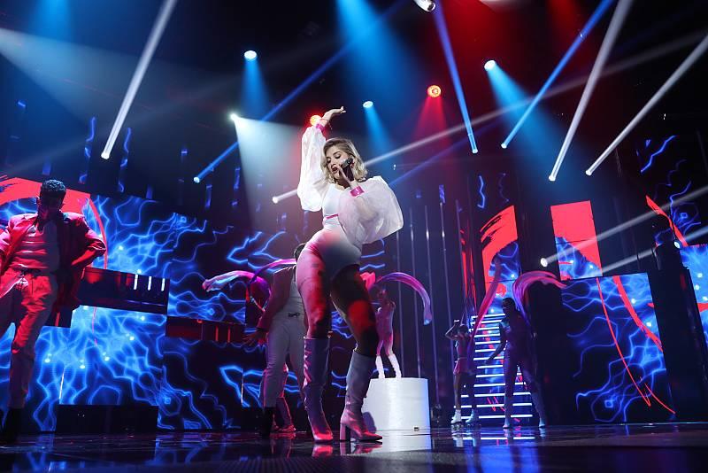 "Samantha canta ""Freed From Desire"", de Gala, en la Gala 11 de Operación Triunfo 2020"