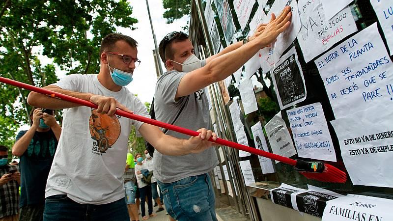 Los trabajadores de Nissan continúan con manifestaciones por el cierre de las plantas de Barcelona