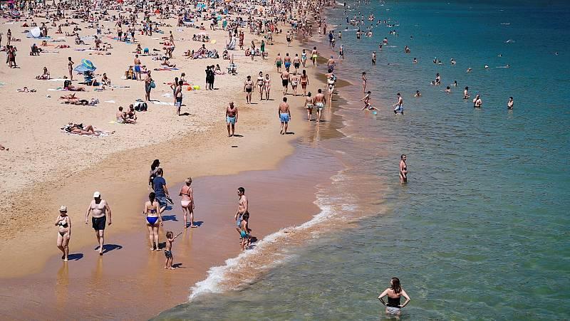 Playas llenas el primer fin de semana que están abiertas