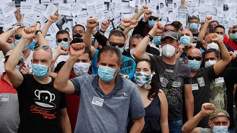 El Gobierno busca alternativas al cierre de Nissan, mientras los trabajadores reclaman un lugar en la mesa de negociaciones