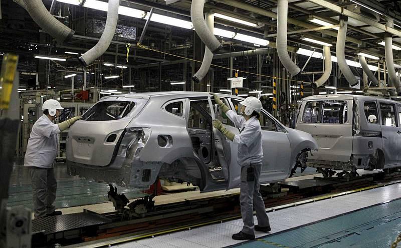 """Sánchez: """"El sector de la automoción tendrá una atención específica en los programas de estímulo"""""""
