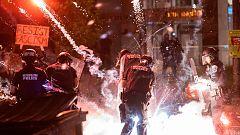 Enfrentamientos entre manifestantes y policías en la quinta noche de protestas por la muerte de Floyd
