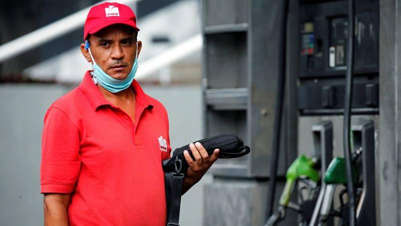 Venezuela pone fin a décadas de gasolina subsidiada