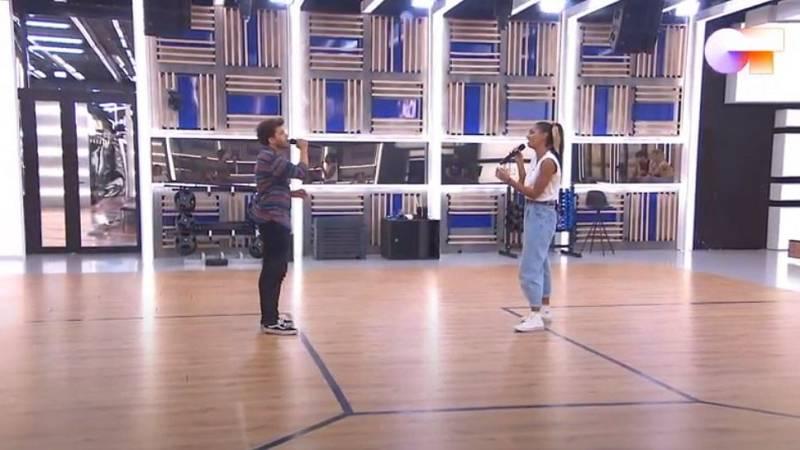 """Nia y Blas Cantó cantan """"Hoy tengo ganas de ti"""", de Miguel Gallardo, en el segundo pase de micros de la """"Gala 12"""" de Operación Triunfo 2020"""
