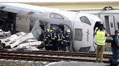 Un tren Alvia descarrila en Zamora al chocar con un coche en la vía causando la muerte a dos personas