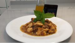 Pollo salteado al curry con frutos secos