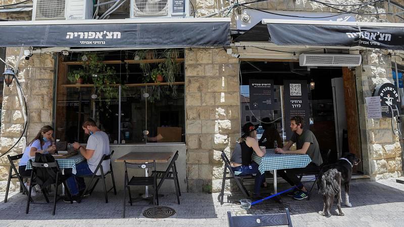 En Israel temen un rebrote de la enfermedad COVID-19 justo ahora que están a punto de completar la desescalada. En los últimos días cientos de estudiantes y profesores se han contagiado y decenas de escuelas e institutos han tenido que volver a cerra