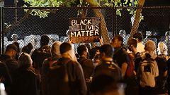 Cada vez más manifestantes se concentran ante la Casa Blanca por la muerte de George Floyd