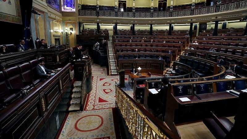 Casado se salta el orden del día para cuestionar a Sánchez por la destitución de Pérez de los Cobos