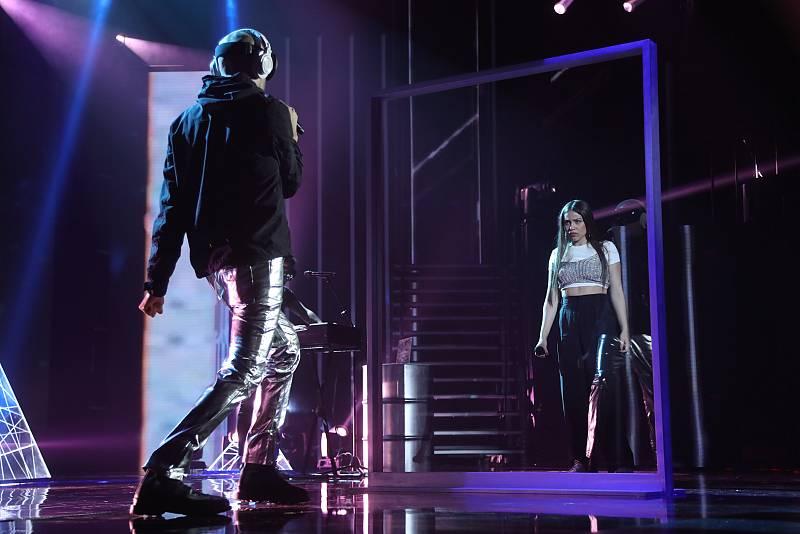 """Eva y La Casa Azul cantan """"El momento"""" en la Gala 12 de Operación Triunfo 2020. Todas las noticias de Operación Triunfo aquí, en RTVE.es."""