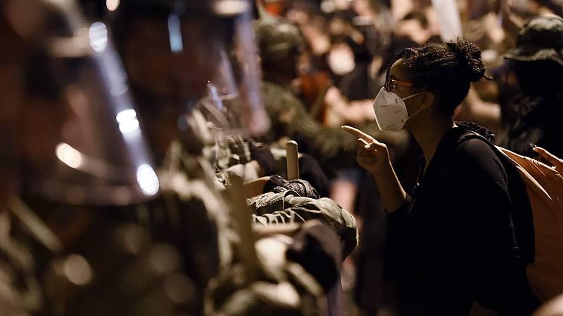 El jefe del Pentágono se desmarca del despliegue militar ante las protestas y su predecesor se suma a las críticas a Trump