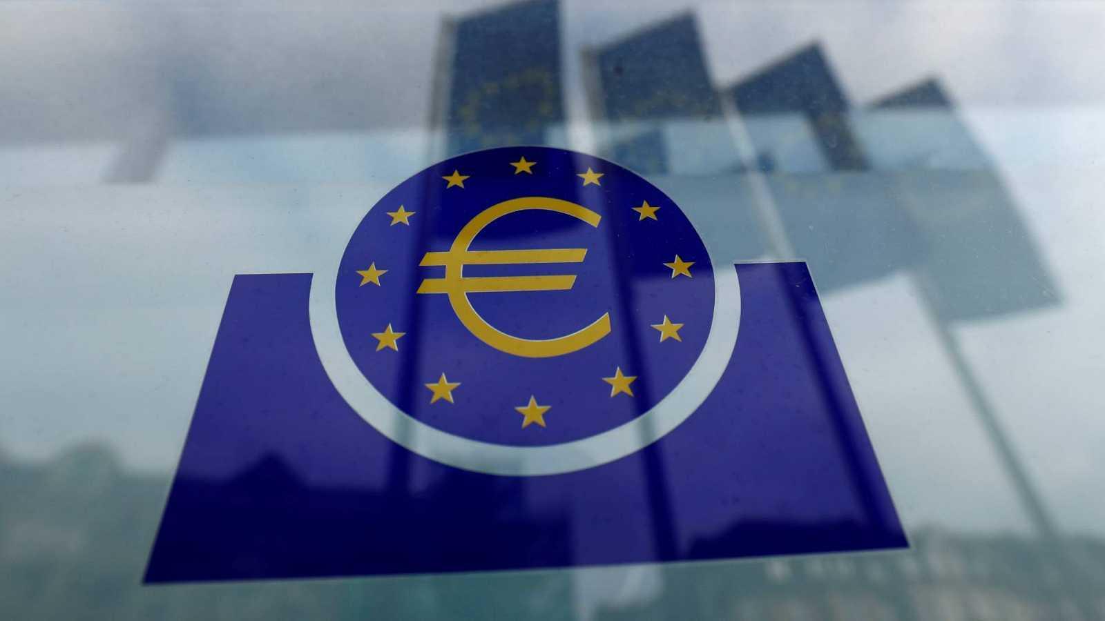 El BCE amplía su programa de compra de deuda en 600.000 millones y lo extiende hasta junio de 2021