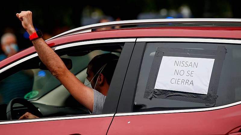 Cientos de coches colapsan la Diagonal de Barcelona en nuevas protestas por el cierre de las fábricas Nissan