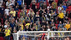 El distanciamiento social no siempre se cumple en el regreso del fútbol en Europa