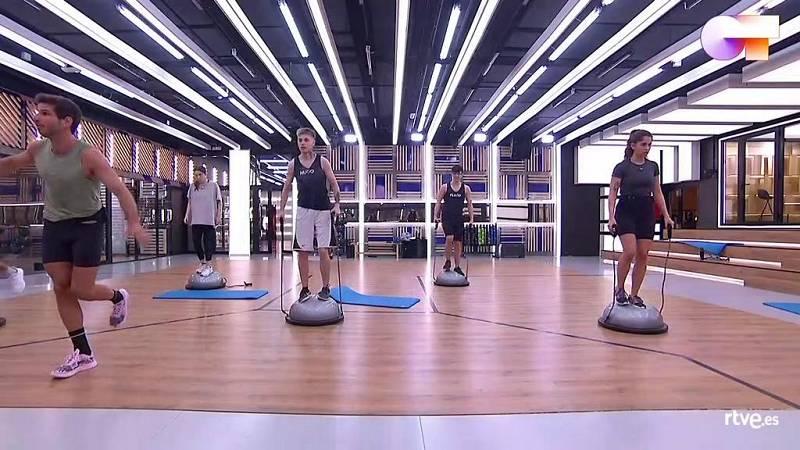Clase de fitness con Cesc Escolà en la Academia de Operación Triunfo 2020