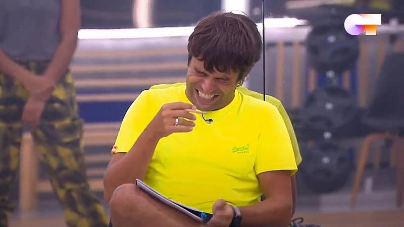 Ataque de risa general cuando Manu le pide a Nia que se calle en el primer pase de micros de la Gala Final de OT 2020