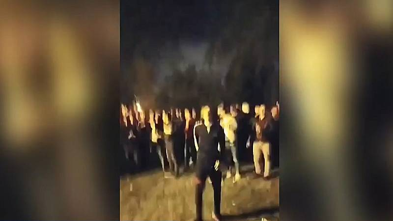 400 jóvenes se concentran en una fiesta en el lago Mendillorri, en Pamplona, pese al estado de alarma