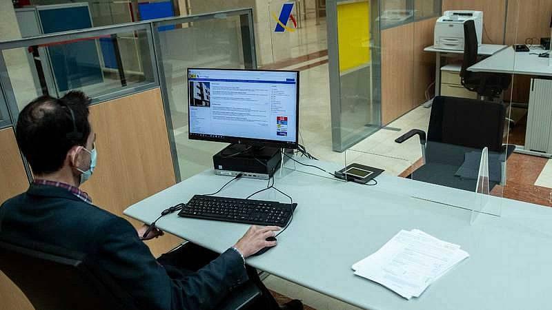 Desde este lunes se puede hacer la declaración de la renta en las oficinas de la Agencia Tributaria