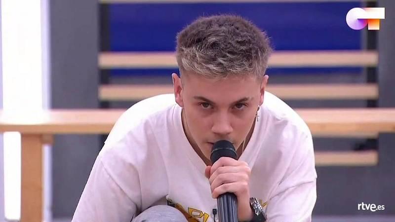 """Hugo canta """"Radioactive"""", de Imagine Dragons, en el segundo pase de micros de la Gala Final de Operación Triunfo 2020"""