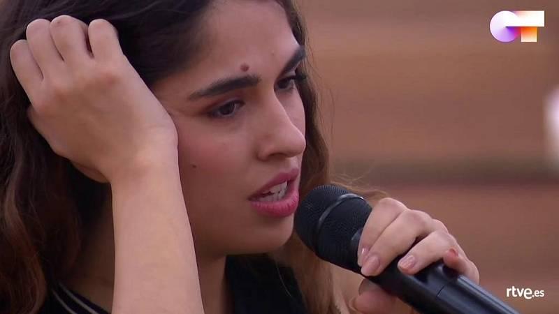 """Anajú canta """"Me iré"""", de Anajú, en el segundo pase de micros de la Gala Final de Operación Triunfo 2020"""