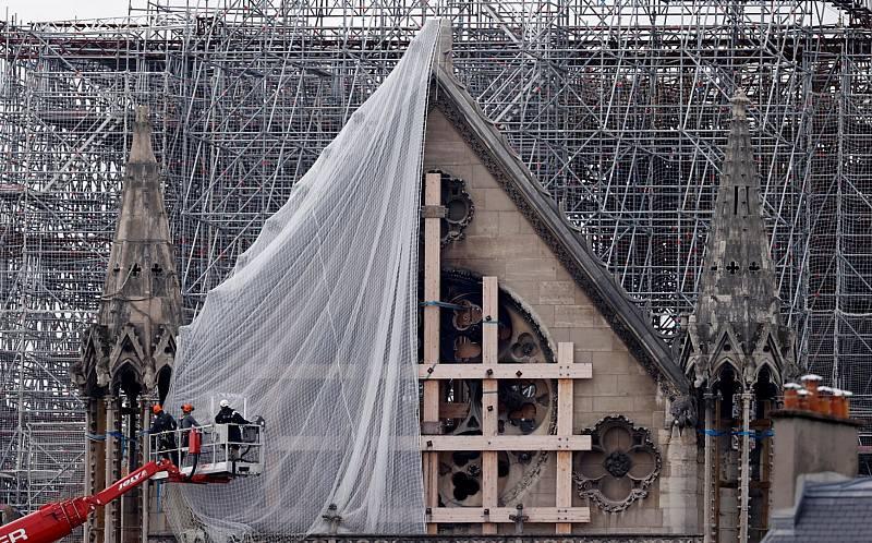 Coronavirus: Comienza la delicada retirada de los andamios de Notre Dame