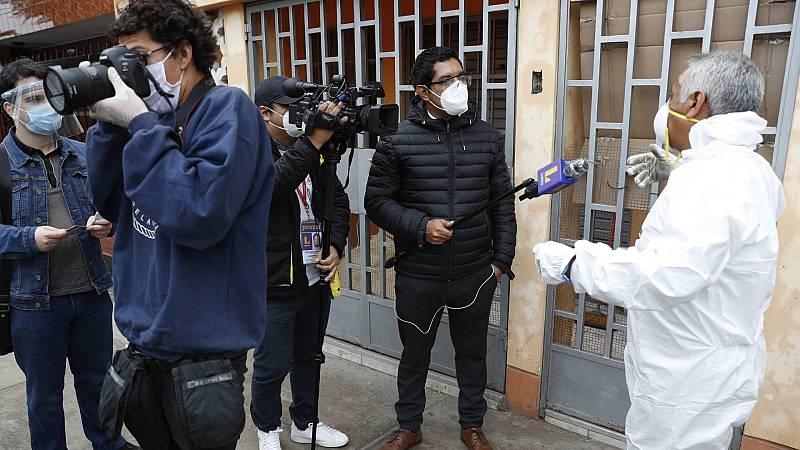 La mitad de los 21 periodistas fallecidos en Perú con Covid-19 se contagiaron cubriendo la pandemia