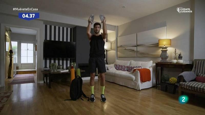 Muévete en casa - ¡Fortalece hombros y tríceps!