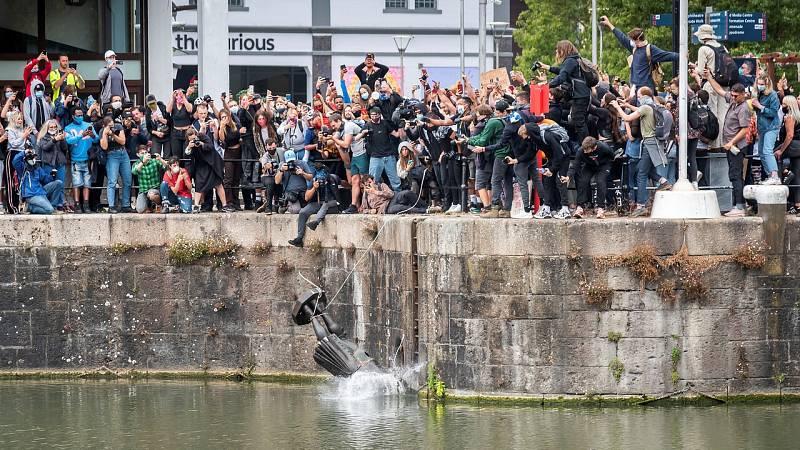 Reino Unido revisa sus símbolos y monumentos ante las protestas antirracistas