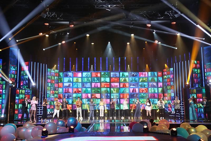 "OT 2020 OT 2020 canta ""Sal de mí"" en la Gala Final de Operación Triunfo"