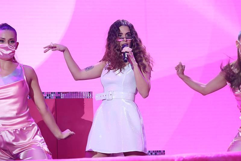 """Anajú canta """"7 Rings"""", de Ariana Grande, en la Gala Final de Operación Triunfo 2020"""