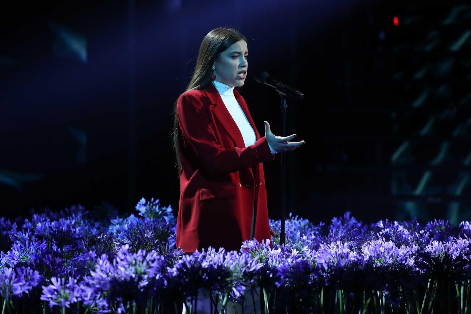 """Eva canta """"People Help The People"""", de Birdy, en la Gala Final de Operación Triunfo 2020"""