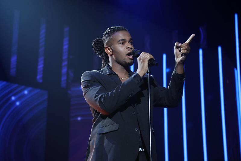 """Famous canta """"Hoy ya no"""", en la Gala Final de Operación Triunfo 2020"""
