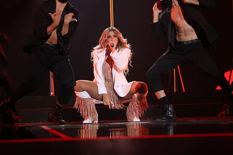 """OT 2020 Lola Indigo canta """"Mala cara"""" y """"4 besos"""" en la Gala Final de Operación Triunfo"""