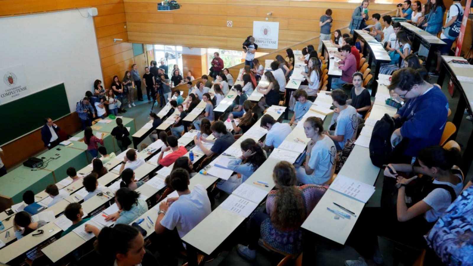 Universidades propone combinar las clases 'online' y presenciales si no se puede guardar la distancia