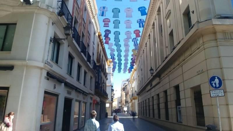 Un derbi diferente para las peñas de Betis y Sevilla