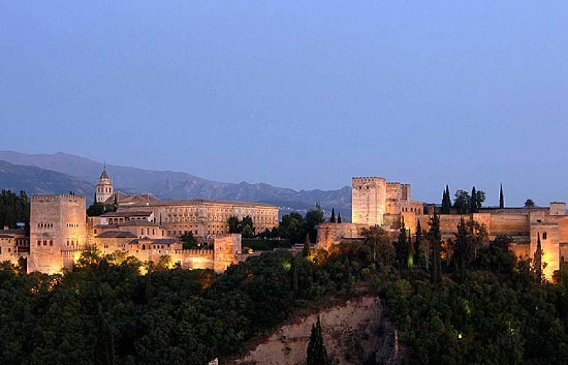 Todo preparado para que este miércoles reabra la Alhambra de Granada