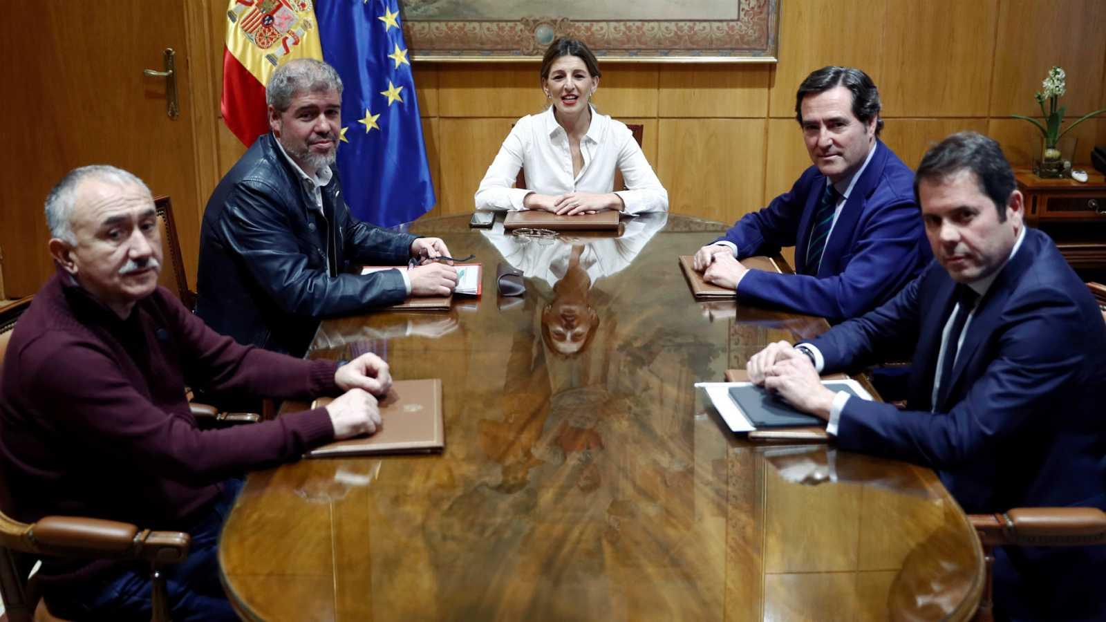 Sin acuerdo en la prórroga de los ERTE: el Gobierno apuesta por septiembre y los agentes sociales por diciembre