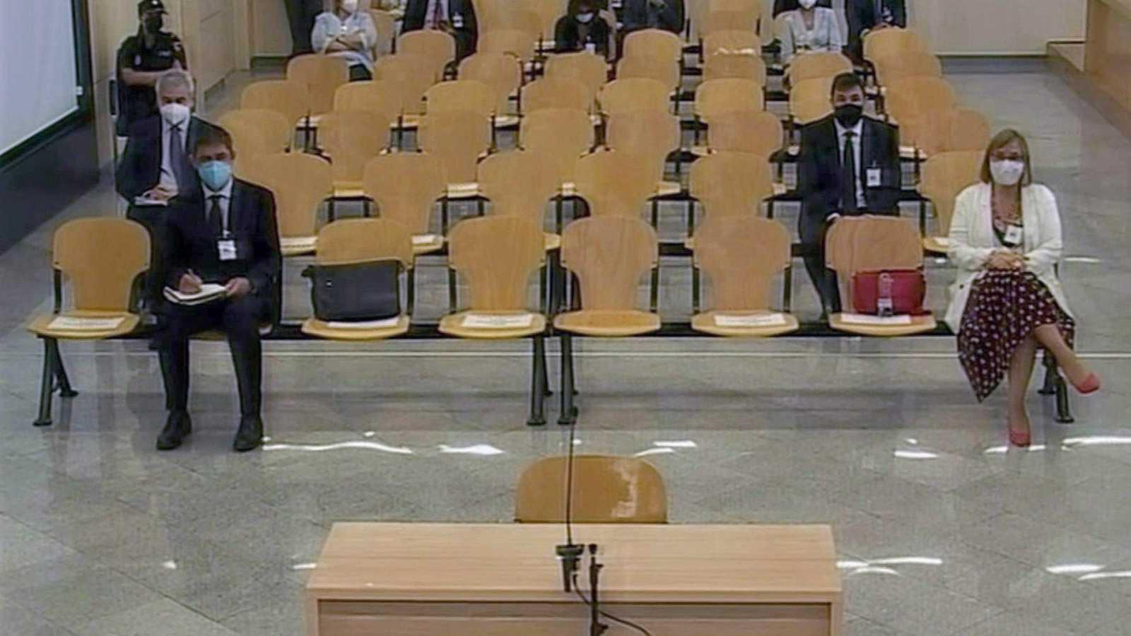 """La abogada de Trapero asegura que el 1-O fue un """"fracaso"""" policial y político y se quiere culpar de ello a los Mossos"""